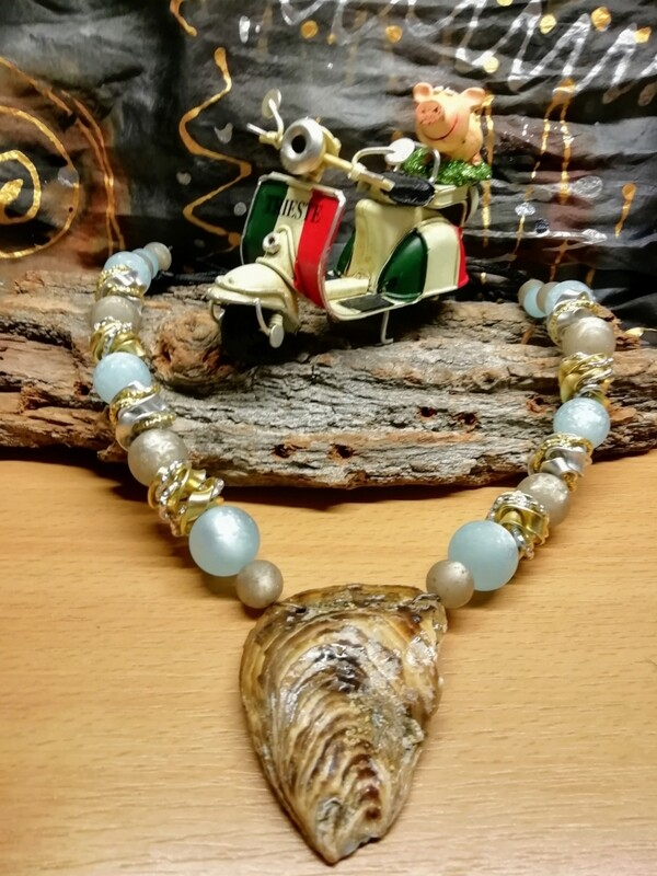 Natural Necklaces with Mussels from the Adriatic Sea Friuli Venezia Giulia - Handmade  by Corinna Kirchhof - Light blue Polaris and soft Grey Polaris or clear crystal Pearls