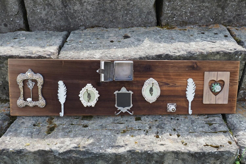 Individuelle Garderoben auf Holz