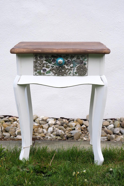 Tischchen weiss-braun