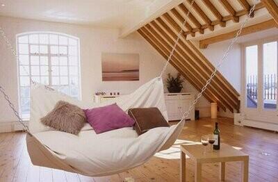 Бескаркасная кровать