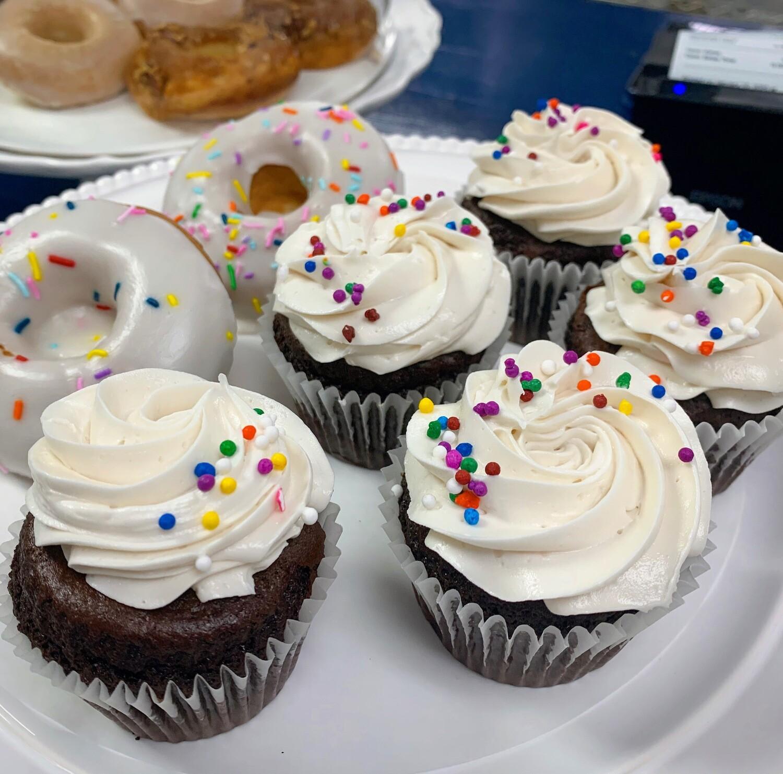 DF Cupcakes (Half Dozen)