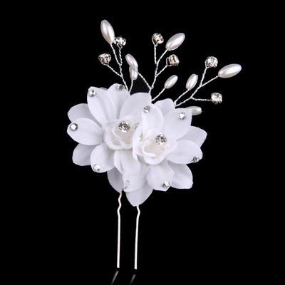 White twin-flower hair stick