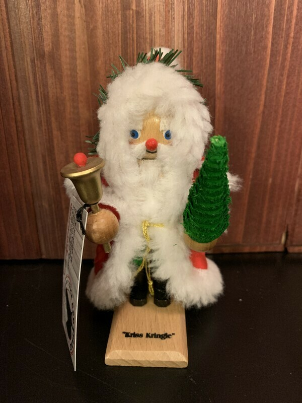 Kriss Kringle Mini Nutcracker