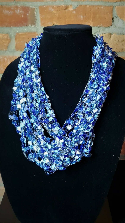 Ocean Ladder Yarn Necklace