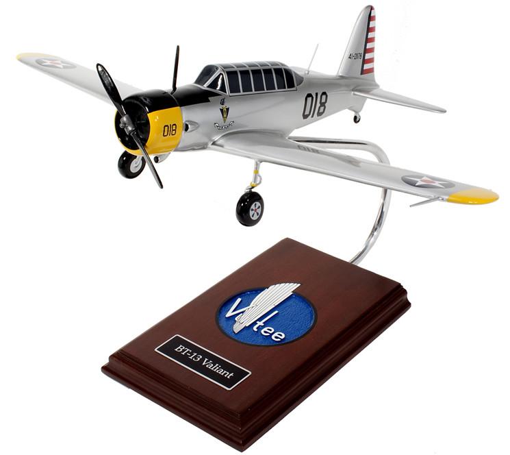 "BT-13 Valiant ""Vibrator"" 1/30 Wood Model Aircraft"