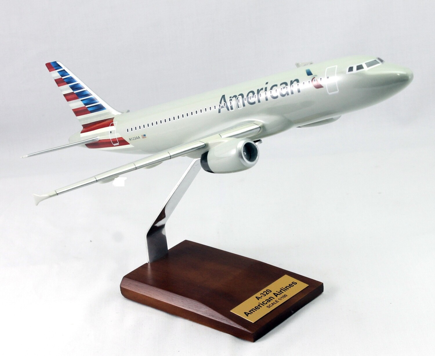 Mastercraft Collection A320 American Airlines Wood Model 1/100