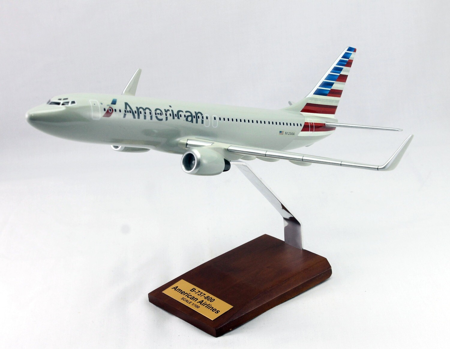 Mastercraft Collection B-737 American Airlines Wood Model 1/100