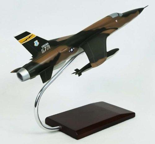 F-105D Thunderchief 1/48 Scale Model Aircraft