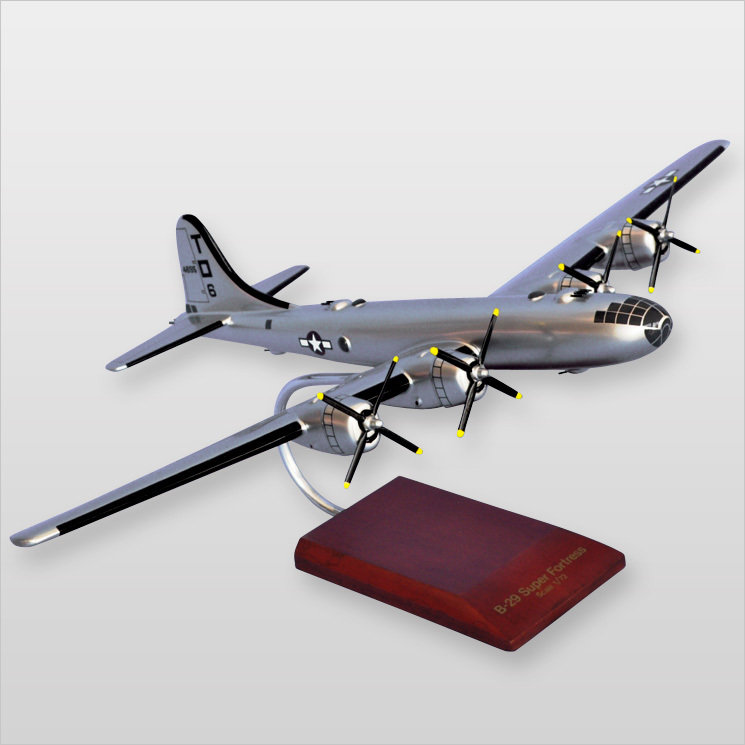 "B-29 Superfortress 'Lucky 'Leven"" 1/72"