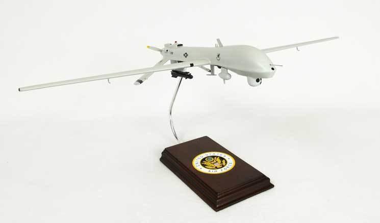 MQ-1 Predator 1/32 Scale Model Aircraft