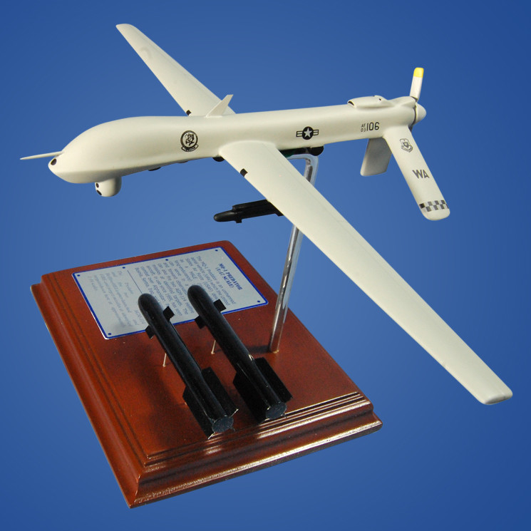 MQ-1 Predator 1/46 Wood Plane Model with Scale Ammunition