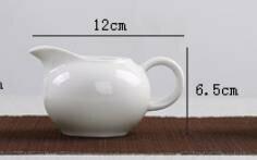 242064 Сливник, фарфор. Цвет-белый, объем 120мл, размер 12 х 6,5см