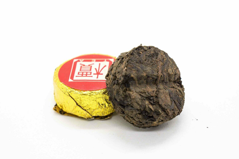 59175 Чай прессованный черный Пуэр Шу  Золотая монетка (сяо то)