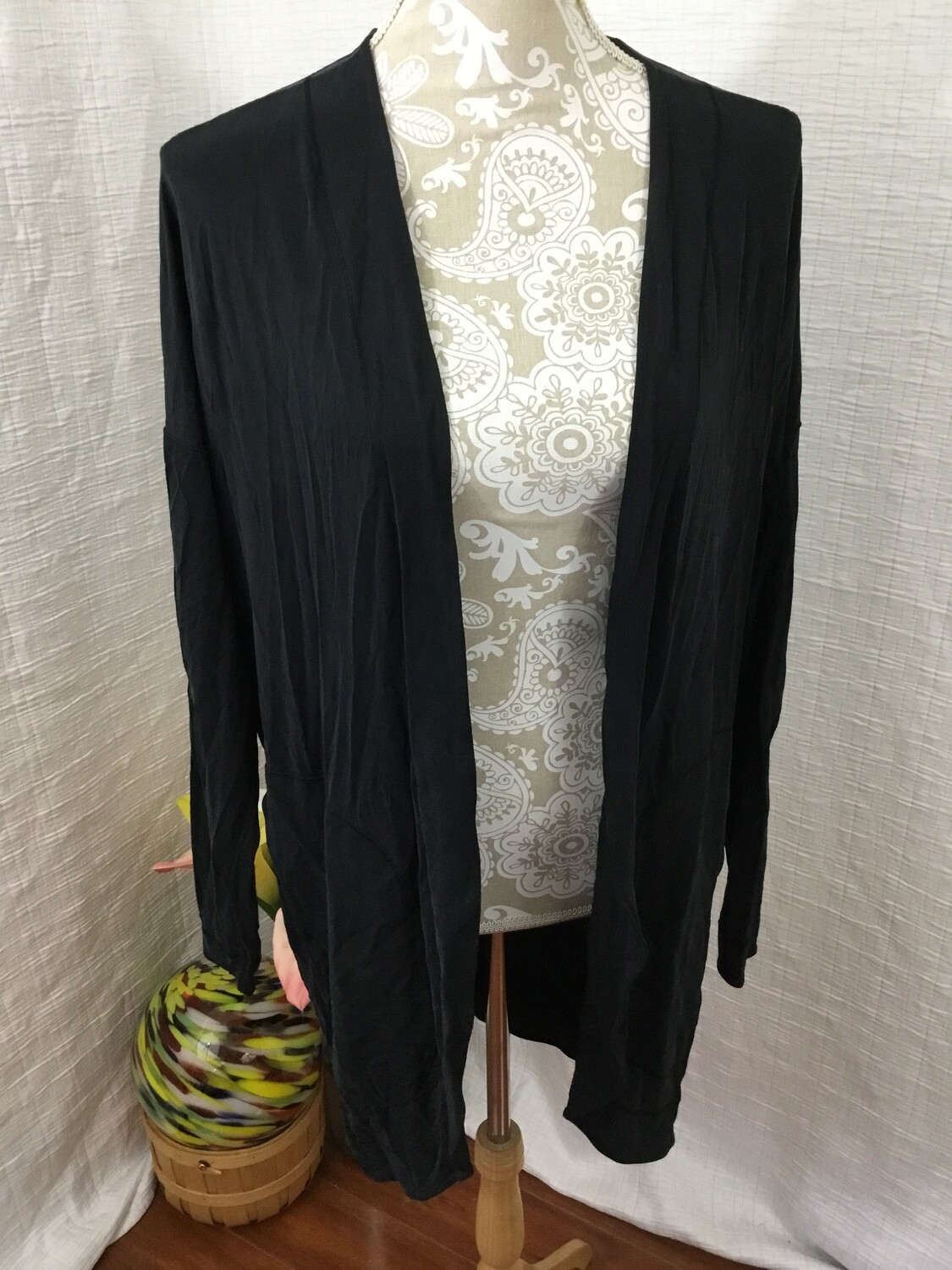 358 black long sleeve lululemon cardigan large 080720
