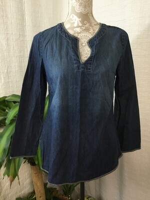 1008 old navy maternity denim long sleeve top size small