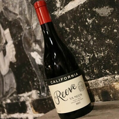 Reeve Ya Moon Pinot Noir Sonoma County California 750ml.