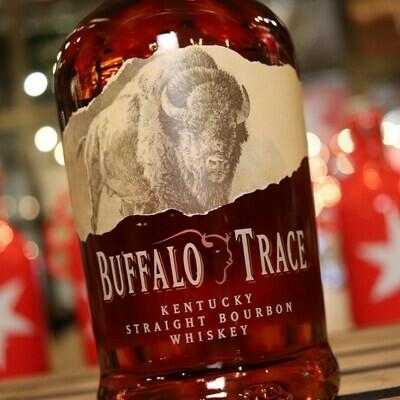 Buffalo Trace Bourbon Whiskey 1L.