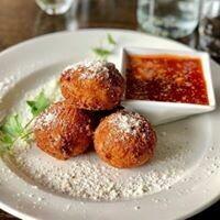 Majanna's - Arancini Balls w/Sauce Pk.4