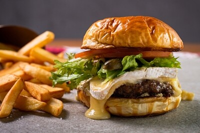Combo Burger + Fritas + Stella