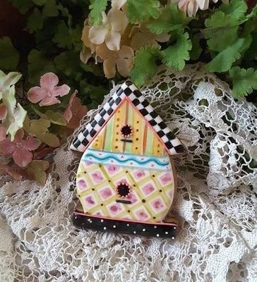 Teri Birdhouse 04