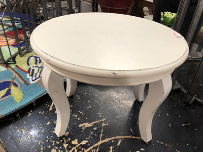 sm oval white table