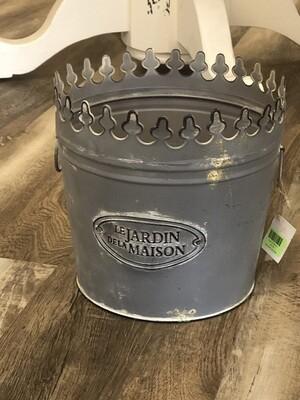 Cut Crown L