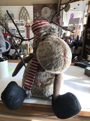 Sitting LG Reindeer