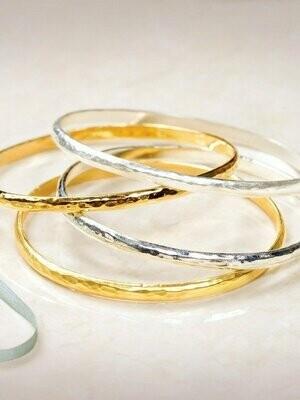 Holly Yashi 111 Shiny Silver Everyday Bangle
