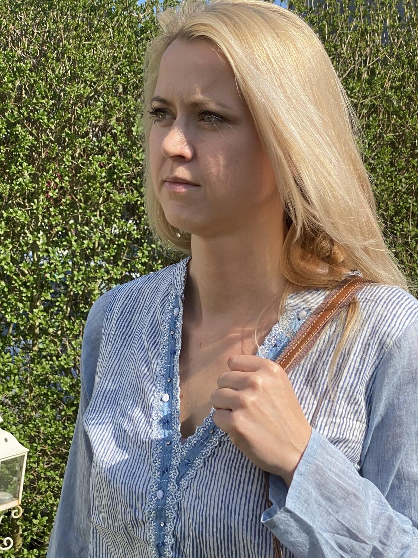 Baumwoll-Bluse blau gestreift Grösse M oder L