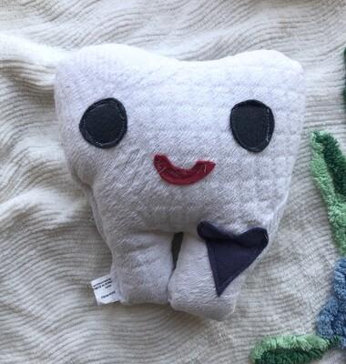 Moxie & Zab ~ Tooth Pillow
