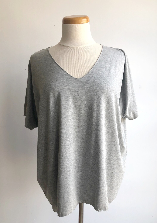 C'est Moi ~ Heather Grey Bamboo T-Shirt