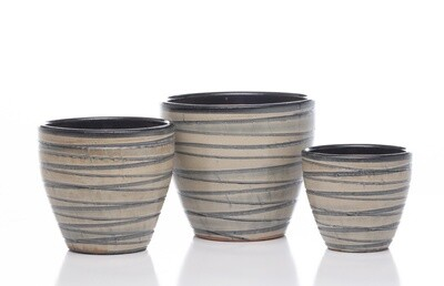 Grooved Egg Short Planter - B&W