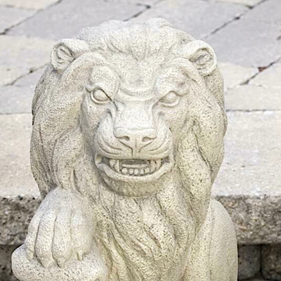 Lion with Shield - Right (R105)