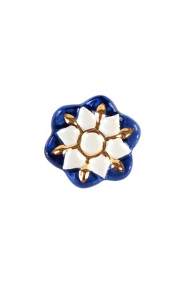 Royal flower knob