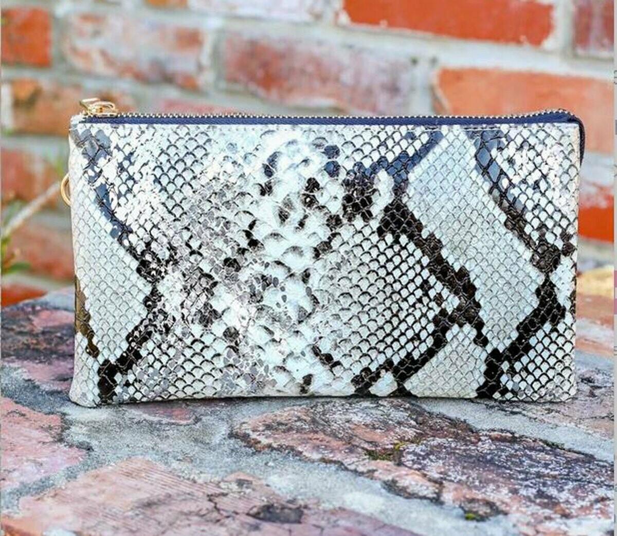 Crossbody clutch snake silver