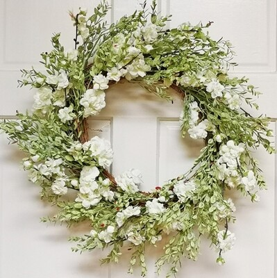 22 inch blossom and leaf wreath white