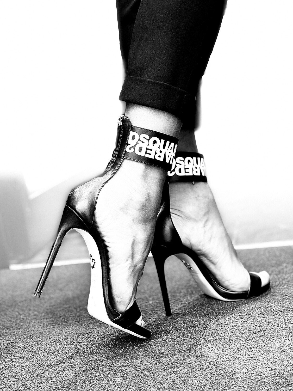 D2 - High Heels Sandal D2/D2 Logo, black/white
