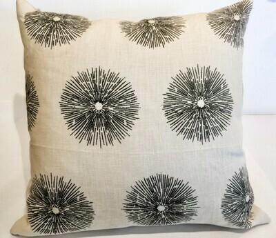EN003 Starburst Pillow 20