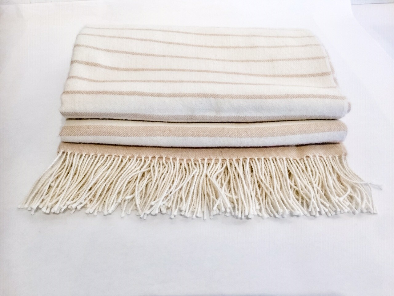 AP903 Cream Ombre Baby Alpaca Throw