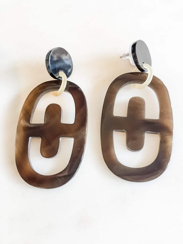 VO019 Honey Horn Oval Earrings