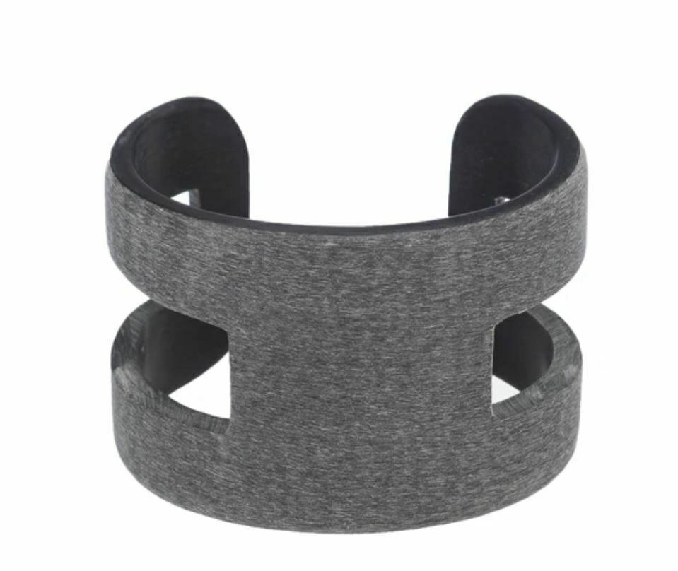 VO008 Bufallo Horn Cuff - Dark Grey
