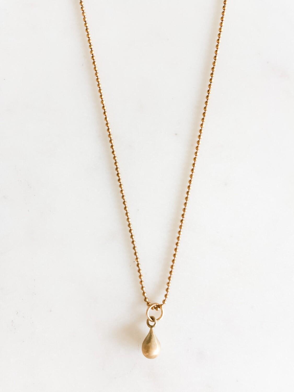"TD436 Gold Chain w/Charm - 18"""