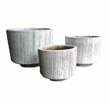 "AE015B Lara Planter - Large  16"" x 19"" - White"