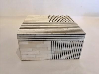 AC006 Geo Box - Large