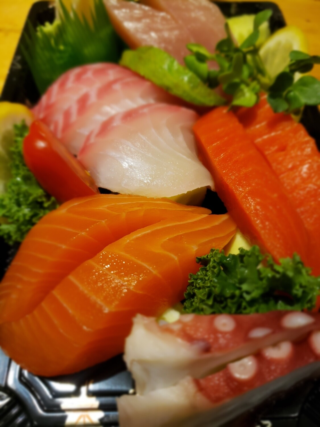 Assorted Sashimi (10pcs)