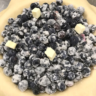 Pie / blueberry traditional two-crust