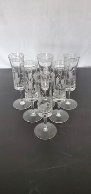 Set of 6 etched glasses