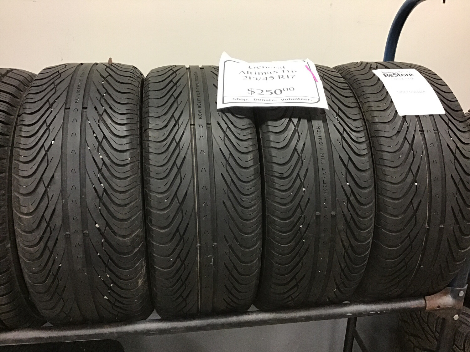 General Altimax HP 215/45/r17 Tires