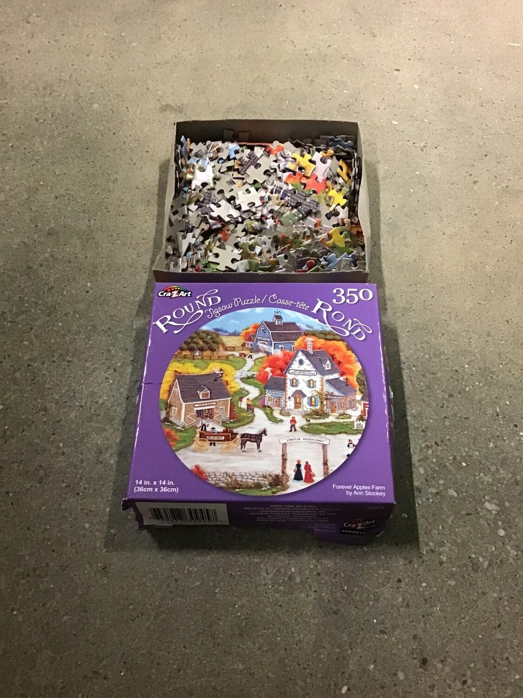 350pc Round Puzzle  INCLUDES 2 puzzles