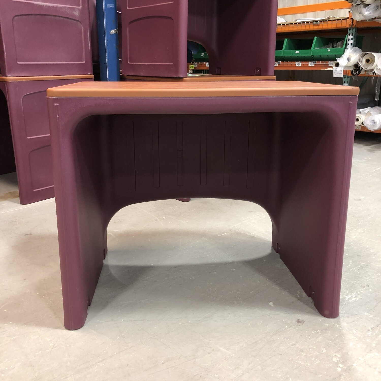 Norix Attenda Desk in Wild Berry